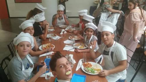 Presentation of Healthy Diet by Culinary Arts - Intercollege